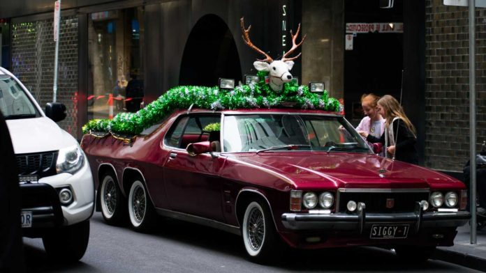Hire-a-Limo-to-Celebrate-Christmas-with-Unique-Way-on-readcampus